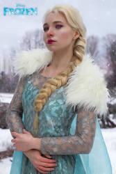 Elsa- Frozen by vanikachan