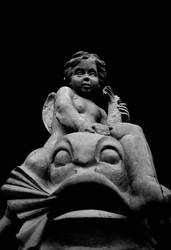 Ozgur' un terasindaki heykel by automatte