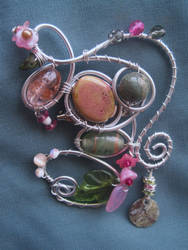 Grandma's Brooch by Sompy-Stuff