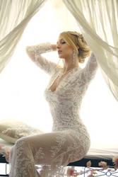White lace: lea by gestiefeltekatze