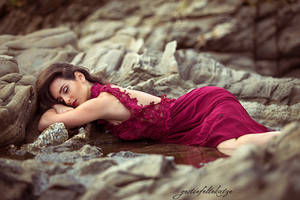 Ivana and the red dress by gestiefeltekatze