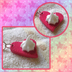 heart cellphone charm by jenyah