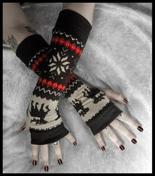 Mountain Lodge Arm Warmers by ZenAndCoffee