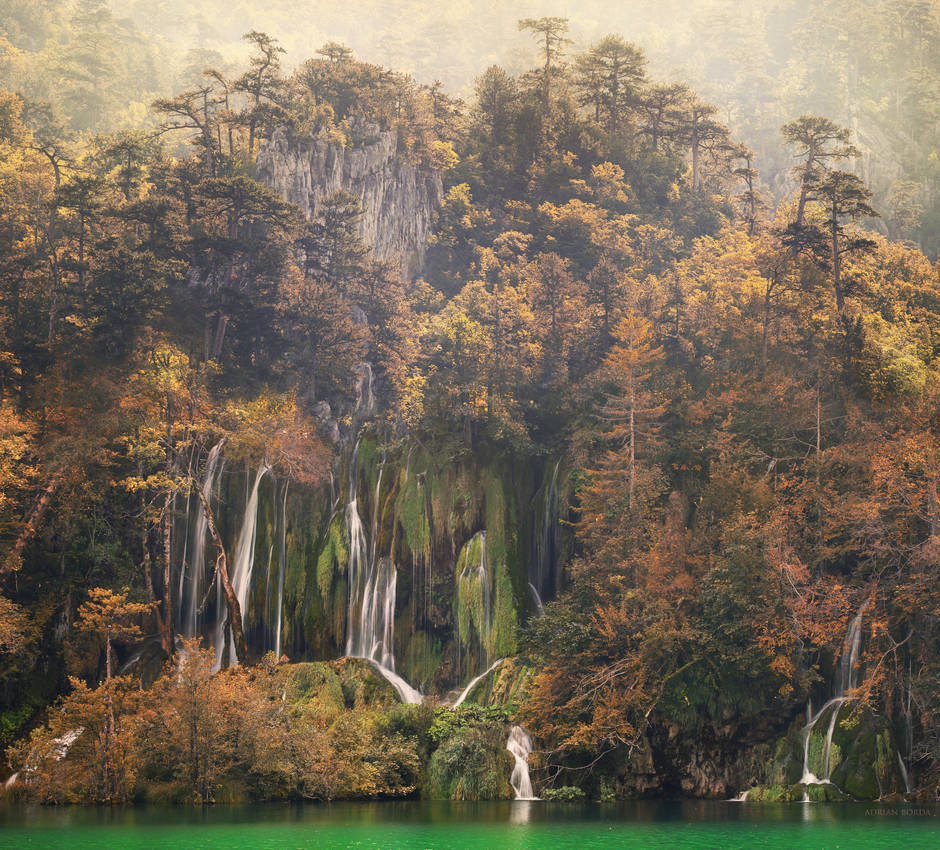 A Chinese Fall by borda