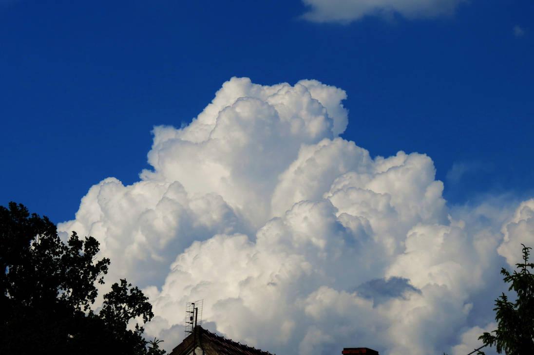 Big cloud by loozak84