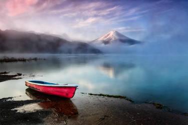 Mysterious Fuji by timbodon