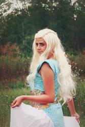 Daenerys Targaryen cosplay by kanamecosplay