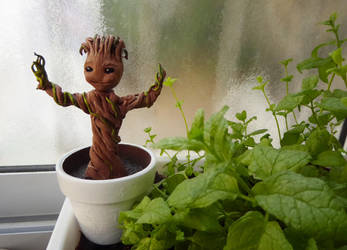 Baby Groot by NaamaYM