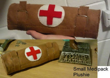 Tomb Raider Medipack Plush by TombRaiderKuchen