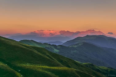 Sunset in the Mountains by Laerian