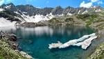Alpine lake by Laerian
