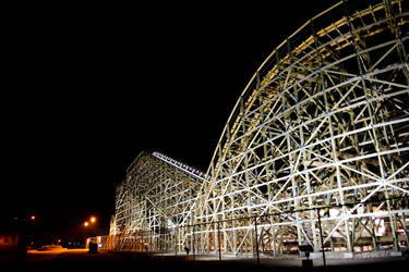 Zippin Pippin at Night 2 by yeliriley