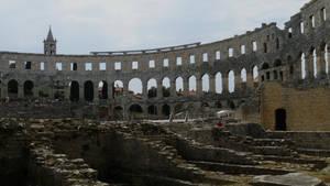 Amphitheatre in Pula by CaenRagestorm