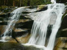 Mumlava waterfalls! Super trip to Harrachov by CaenRagestorm
