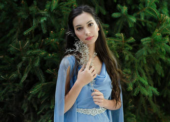 Luthien Tinuviel by Laura-Mambly