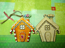 Gingerbread Houses by Ideas-in-the-sky
