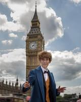 Newton Scamander in London by fenixfatalist