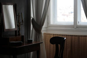 The empty desk by Tori-Fan