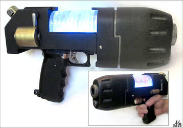 Plasma pistol by AKB8