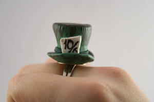 Mad Hatter's Hat in Polymer Clay by kilpi