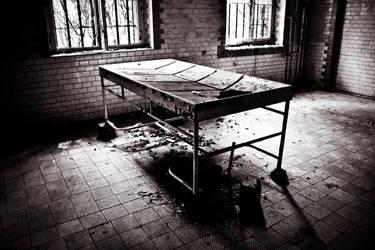 Beelitz-Heilstatten Sanatorium VI by UrbExplorer
