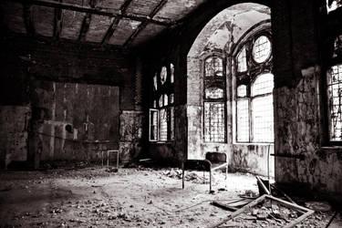 Beelitz-Heilstatten Sanatorium VIII by UrbExplorer