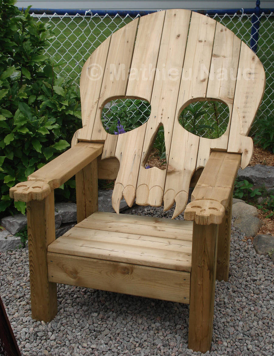 Skull chair by Bokusenshi