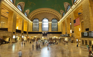 15 Seconds of Grand Central by lupiniastudios