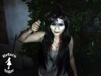 resident evil 7 mia winters cosplay by l4cr1m3n3r3