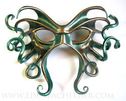 Large Cthulhu leather mask, green and copper by shmeeden