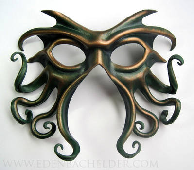 Cthulhu leather mask, green and gold by shmeeden