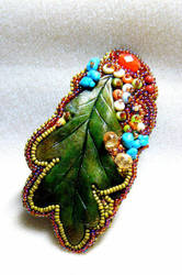 Oak leaf bead embroidered pendant/brooch by ElysianField