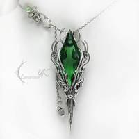 APSINTUQ - silver and green quartz by LUNARIEEN