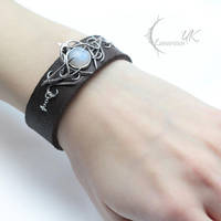 MYNTHNRIL - silver, leather and moonstone by LUNARIEEN