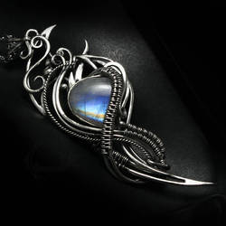 AEVIRIEEN silver and moonstone by LUNARIEEN
