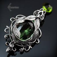 Brooch ZALIA NYAR - Silver and Green Quartz. by LUNARIEEN