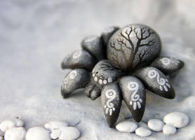 Little Moon Wanderer spider by hontor