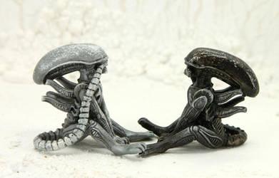 Two little Aliens by hontor