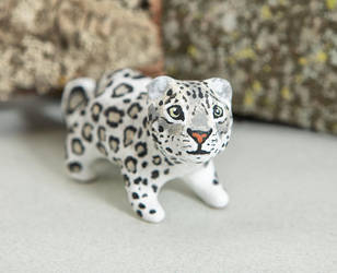 Elegant snow leopard figurine by lifedancecreations