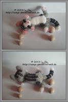 lying cat in miyuki beads by Zoey-01