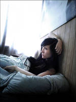i lay with the stillness.. by ChiiiChan