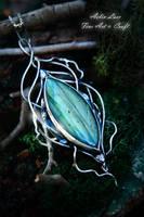 Seun - silver Talisman with labradorite by Gwillieth