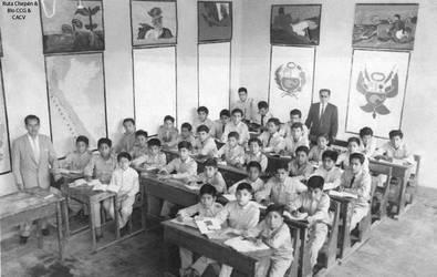 1960 (62b) 1960-70 Aula de clase de Escuela 233 Ch by Chepen-Ruta