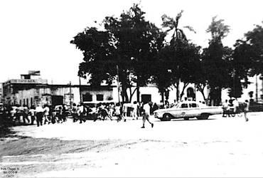 1968 (1) Plaza de Armas de Chepen al fondo el corr by Chepen-Ruta