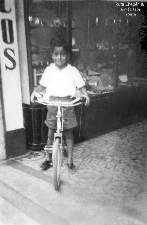 1950 Pequeo Chepenano en bicicleta by Chepen-Ruta