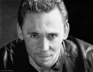 Tom Hiddleston (drawing) by Quelchii
