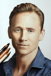 Tom Hiddleston by Quelchii