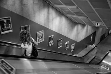 Tu descends. by leingad