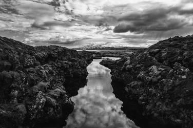 Icelandic Blackscape XVI by leingad