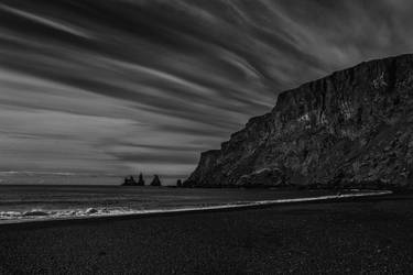 Icelandic Blackscape XI by leingad